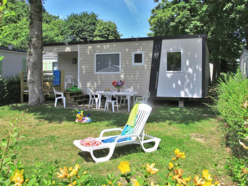 Location - Mobile Home Type Cottage 3 Chambres -1  Salle D'eau -Terrasse En Bois Couverte Avec Tv (Chaînes Françaises) - Camping Castel Château de Galinée