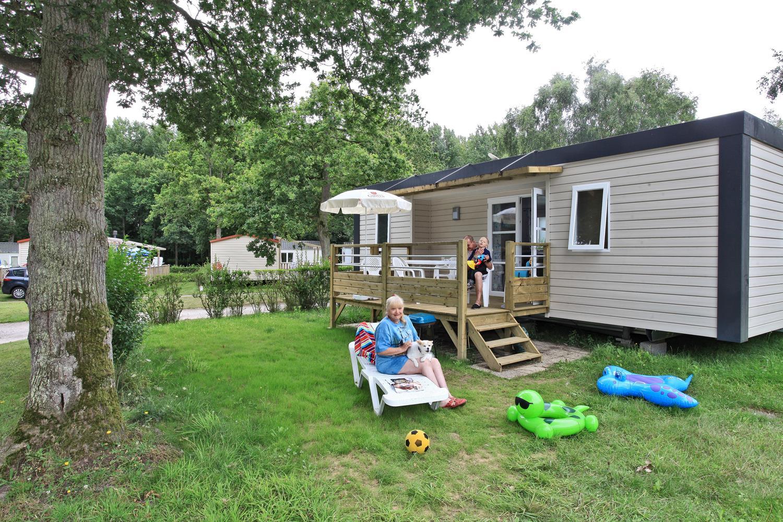 Location - Mobile Home Type Cottage 2 Chambres -1  Salle D'eau -Terrasse Couverte Avec Tv (Chaînes Françaises) - Camping Castel Château de Galinée