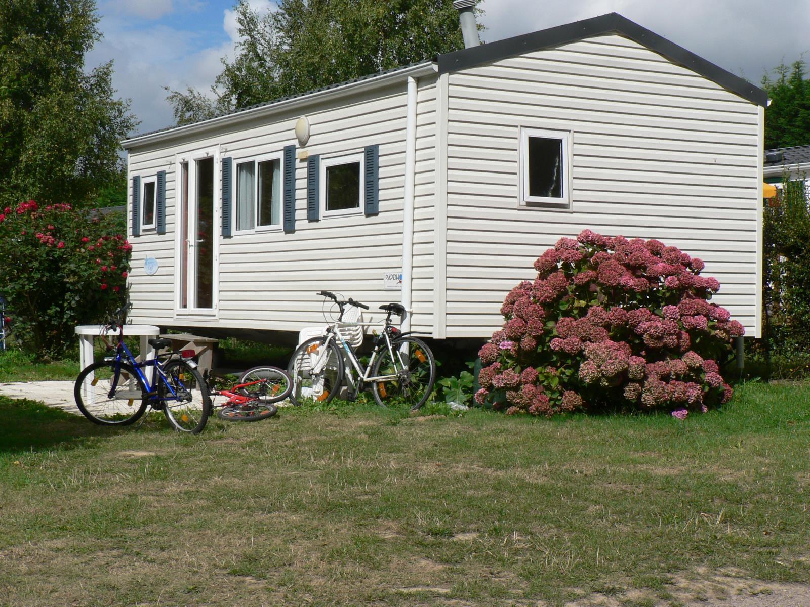Location - Mobile Home 2 Chambres - 1 Salle D'eau - Terrasse Dallée - Camping Castel Château de Galinée
