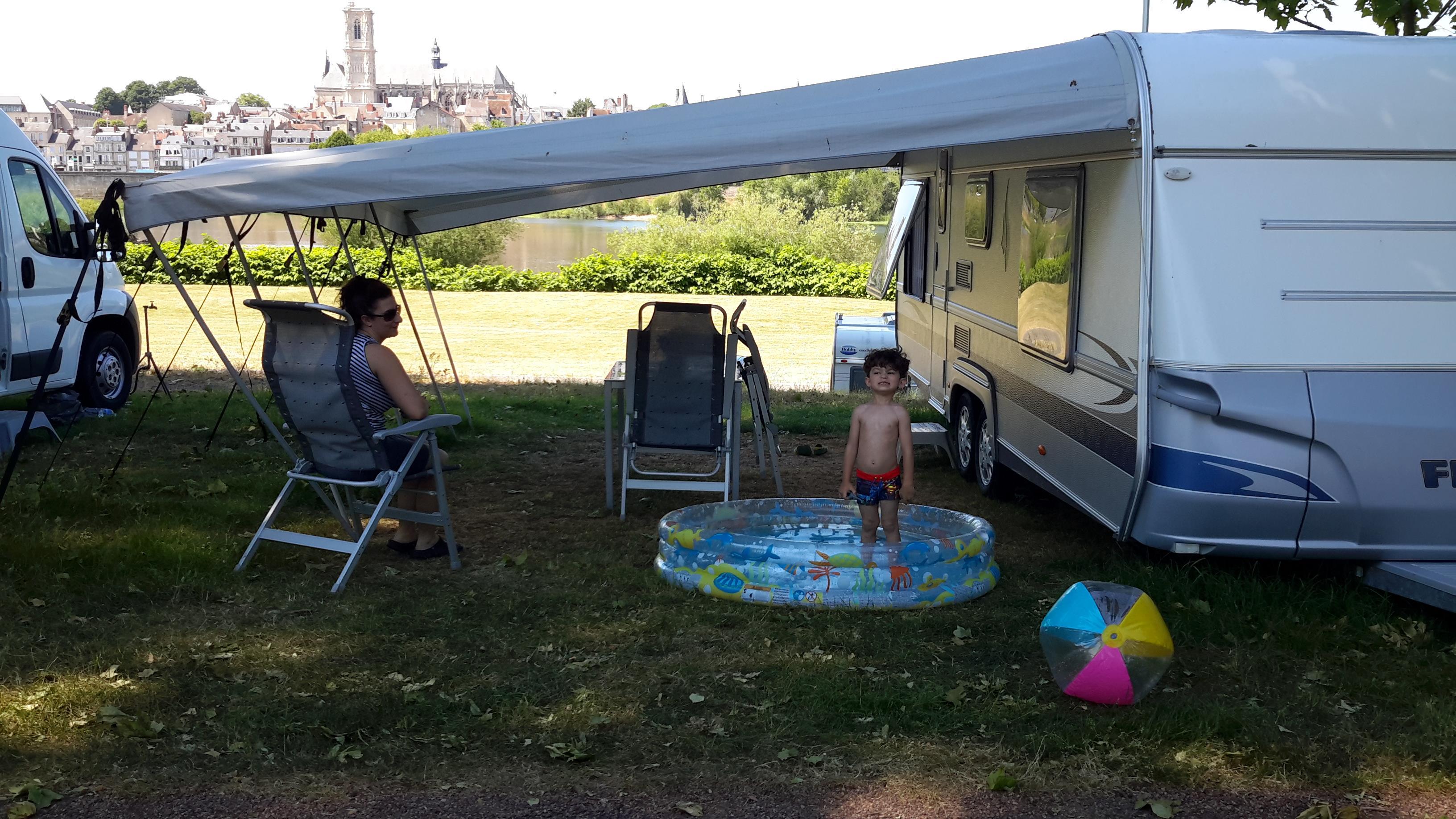Camping de Nevers, Nevers, Nièvre