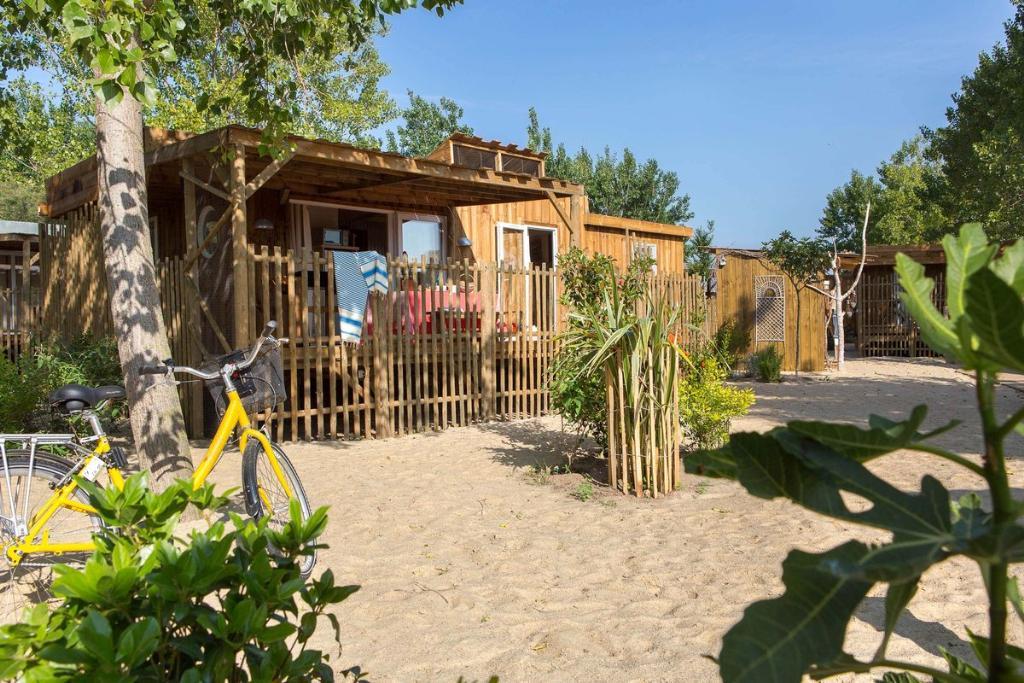 Location - Cabane Canardière 3 Chambres Premium Climatisée - Yelloh! Village Le Sérignan Plage