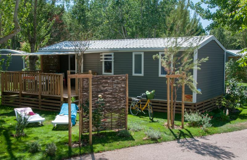 Location - Cottage Patio Spécifique 3 Chambres ***** Climatisé - Yelloh! Village Le Sérignan Plage