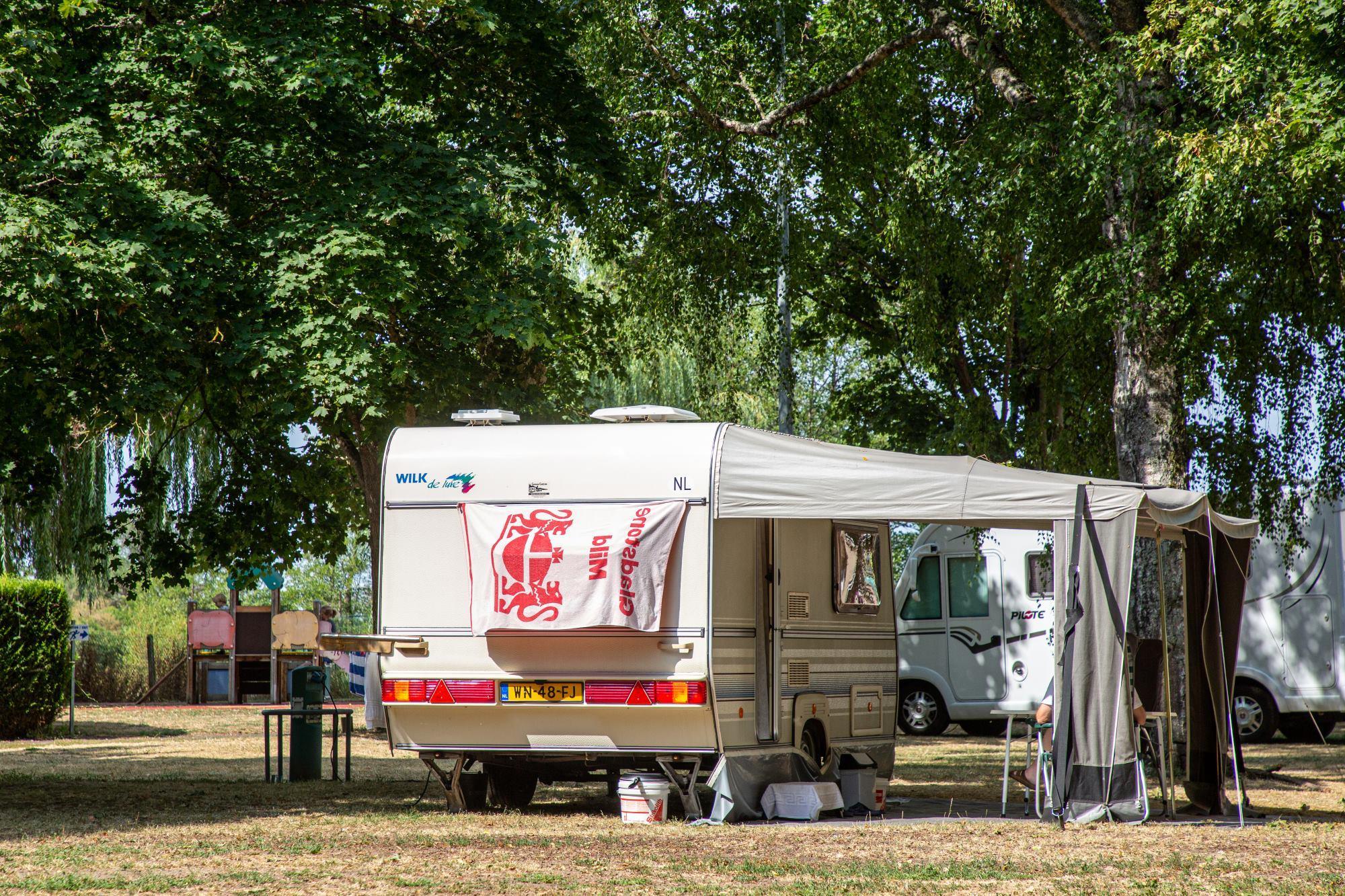 Camping de la Porte d'Arroux, Autun, Saône-et-Loire