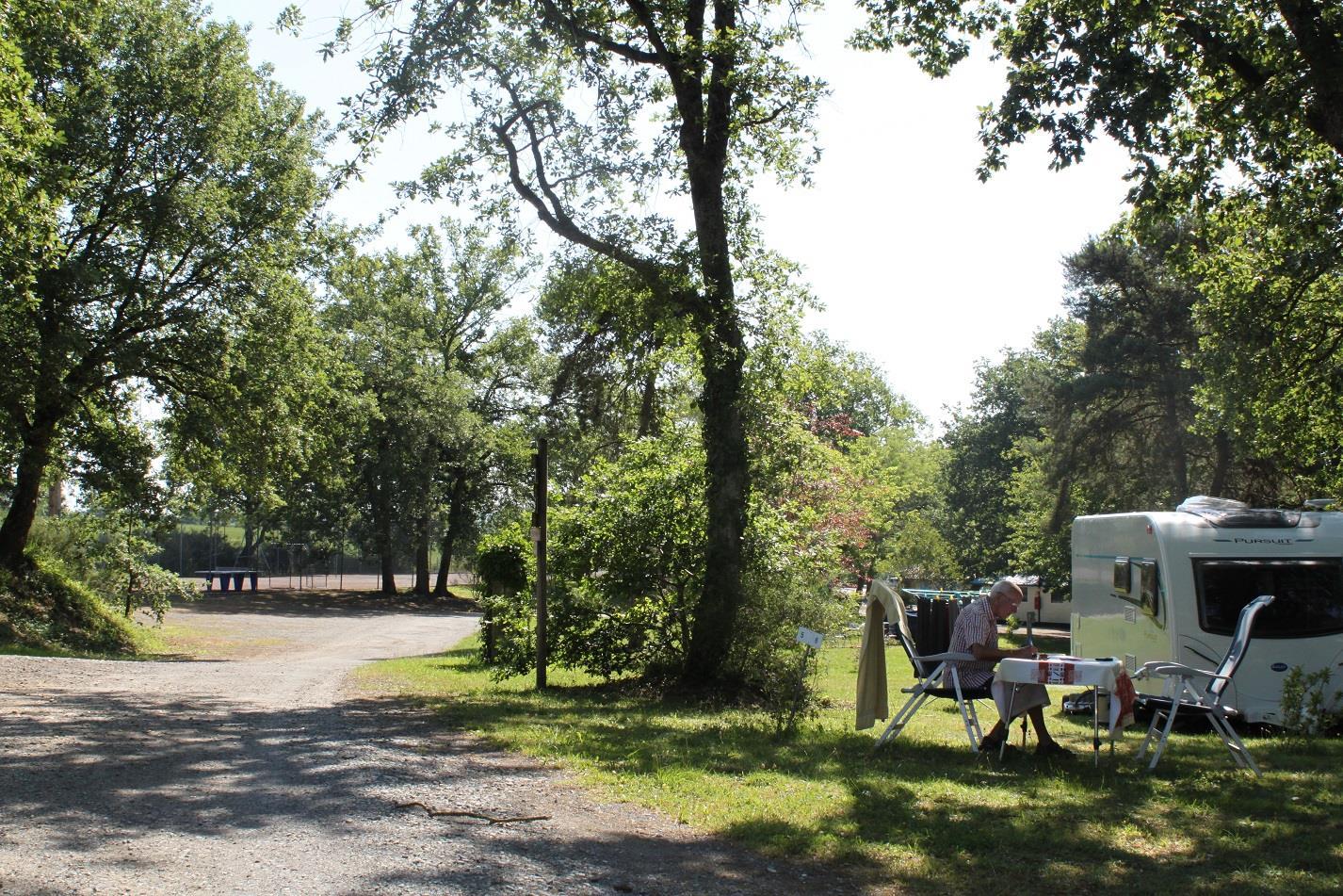 Emplacement - Emplacement Tente/Caravane/Camping-Car - Proche Piscine Et Services - - Camping Domaine Lacs de Gascogne