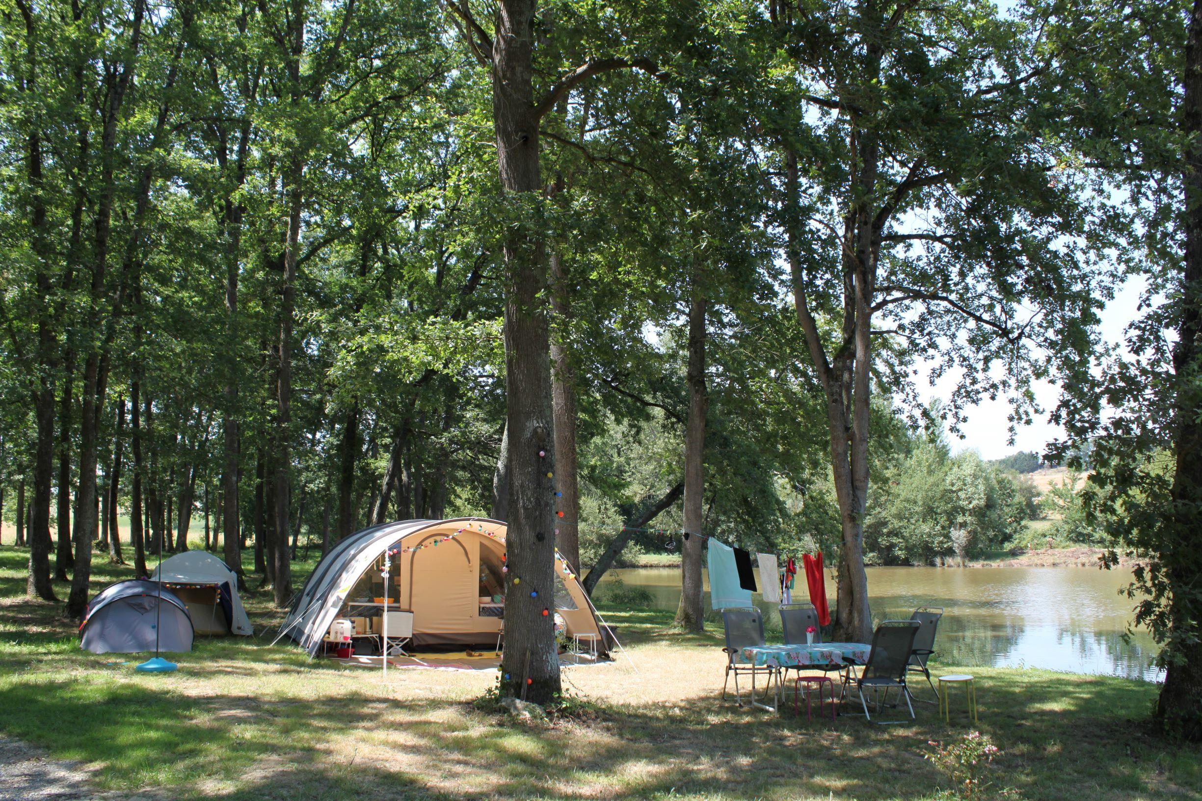 Emplacement - Emplacement Tente/Caravane/Camping-Car Au Bord Du Lac - - Camping Domaine Lacs de Gascogne