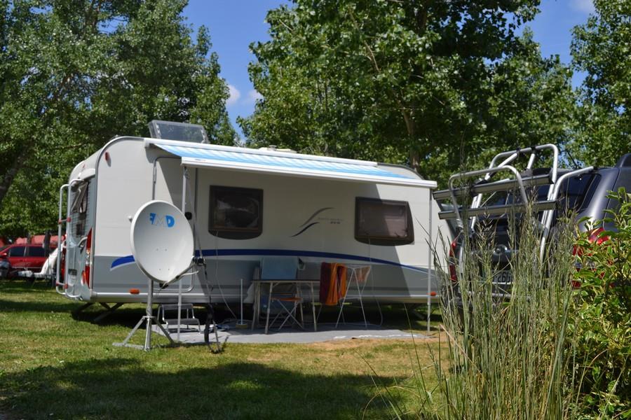 Emplacement - Forfait Emplacement (6 Personnes Max) + Voiture - Camping La Grande Vallée