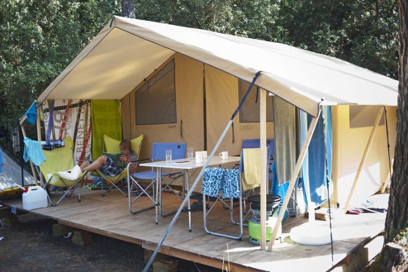 Location - Tente Toile & Bois Classic Iv - Huttopia Oléron Chênes Verts