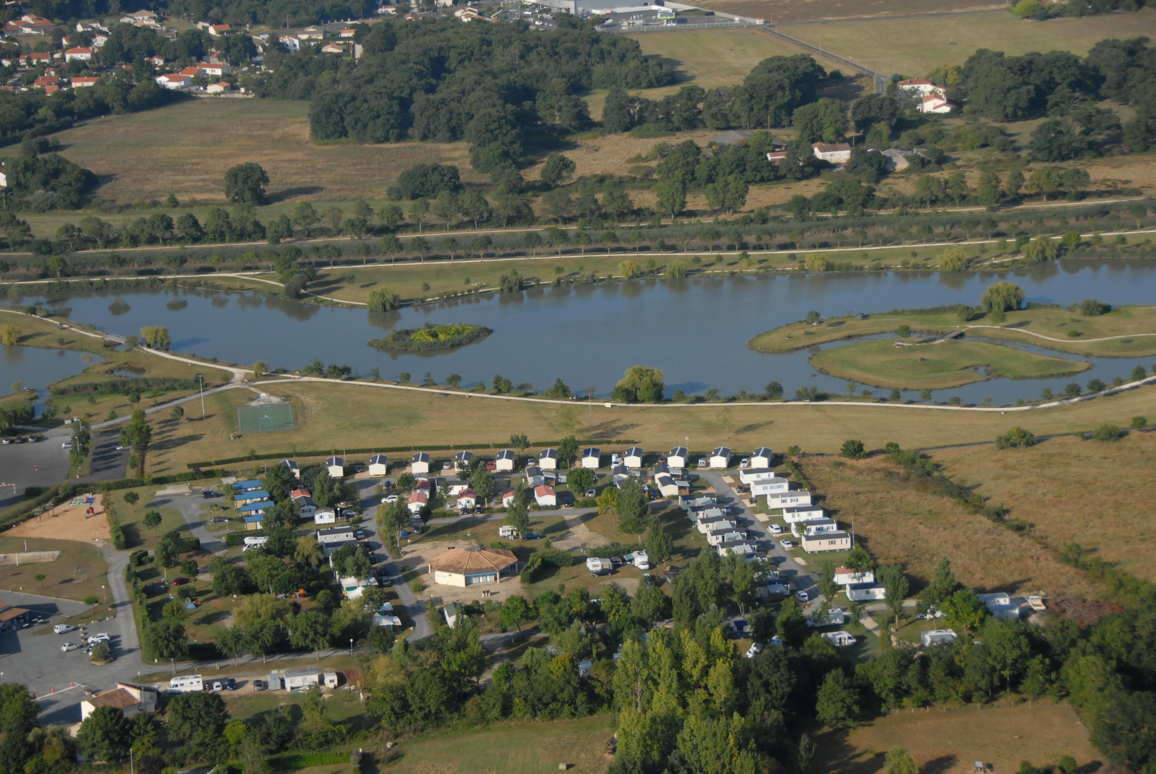 Camping du Lac, Saujon, Charente-Maritime