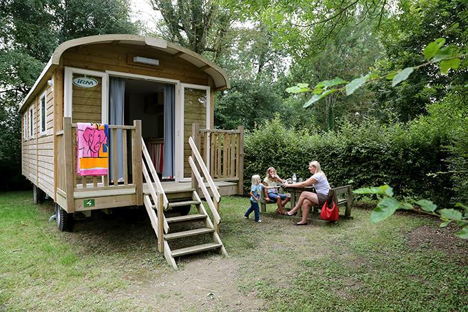 Location - Roulotte (2 Adultes Et 2 Enfant Jusqu'à 12 Ans) - Camping Nid du Parc