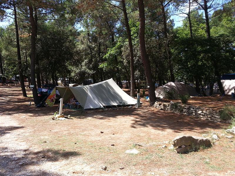 Emplacement - Emplacement 1 Personne Et Électricité Inclus - Camping La Simioune