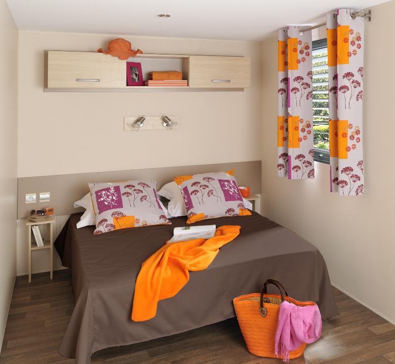 Chalet Duo Confort + 18m² (1 chambre) + TV + climatisation ( maximum 2 adultes un enfant jusqu'à 12 ans)