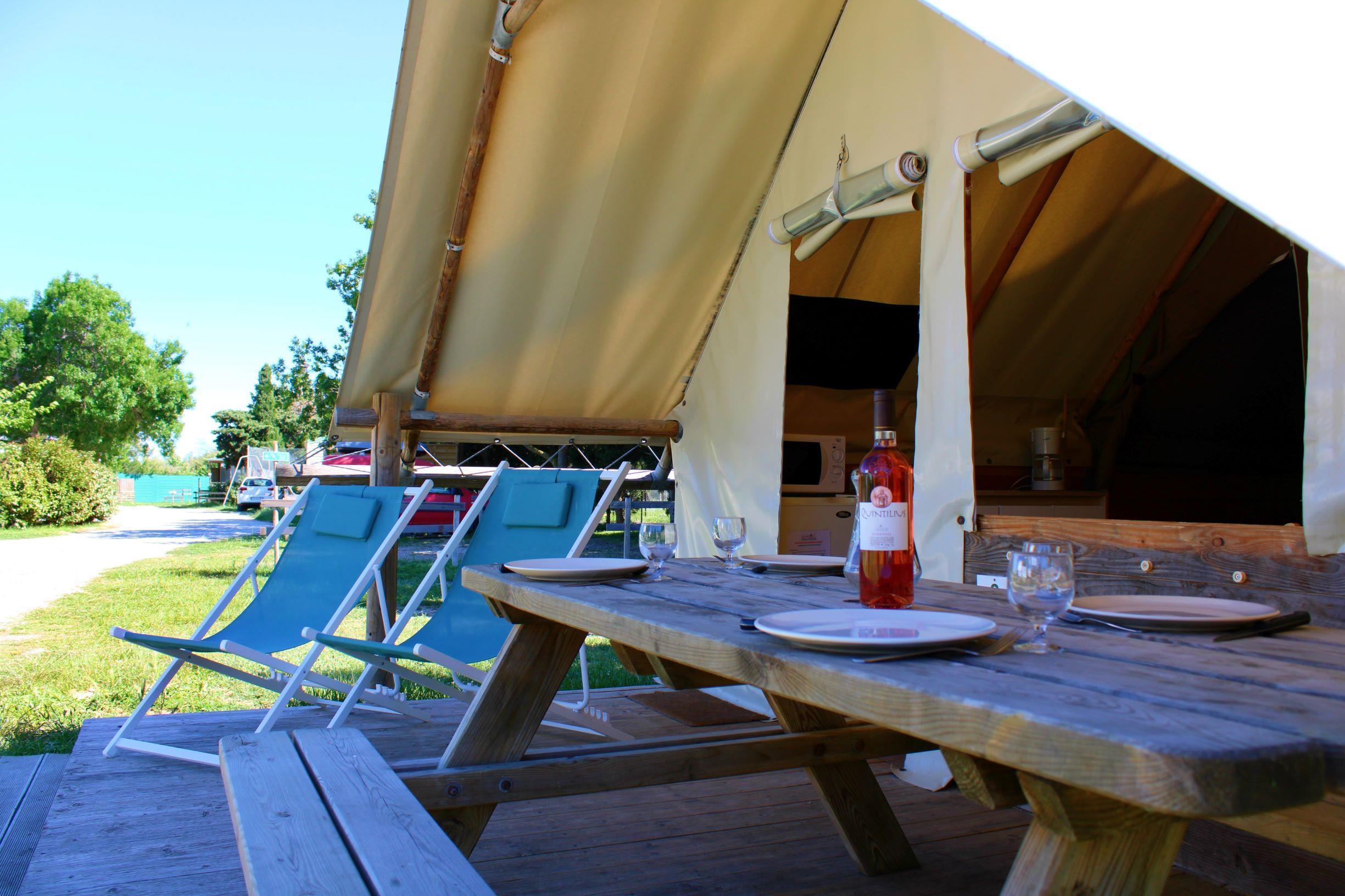 Eco-Lodge Confort + 20m² (2 chambres)(maximum 4 adultes et  un enfant jusqu'a 12 ans)