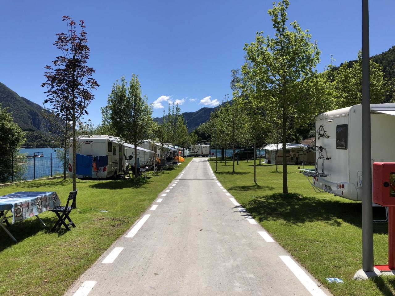 Emplacement - Emplacement Comfort 70/90 M² Avec Électricité - Camping Azzurro