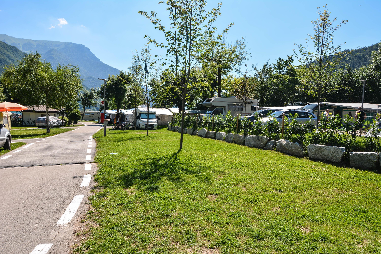 Emplacement - Emplacement + 1 Voiture + Tente Ou Caravane + Électricité - Camping Azzurro