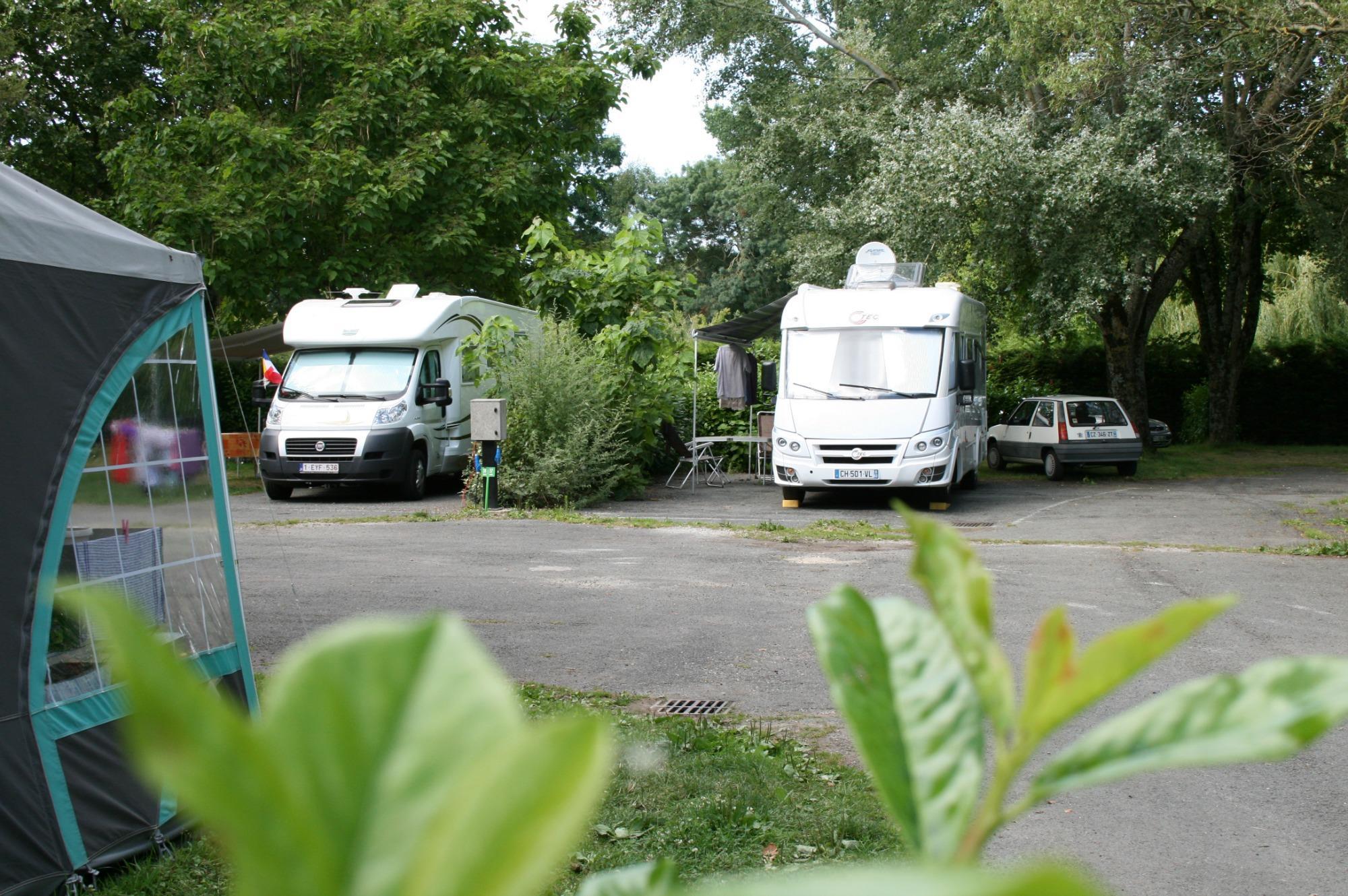 Emplacement - Emplacement Camping-Car - Camping de la Gères