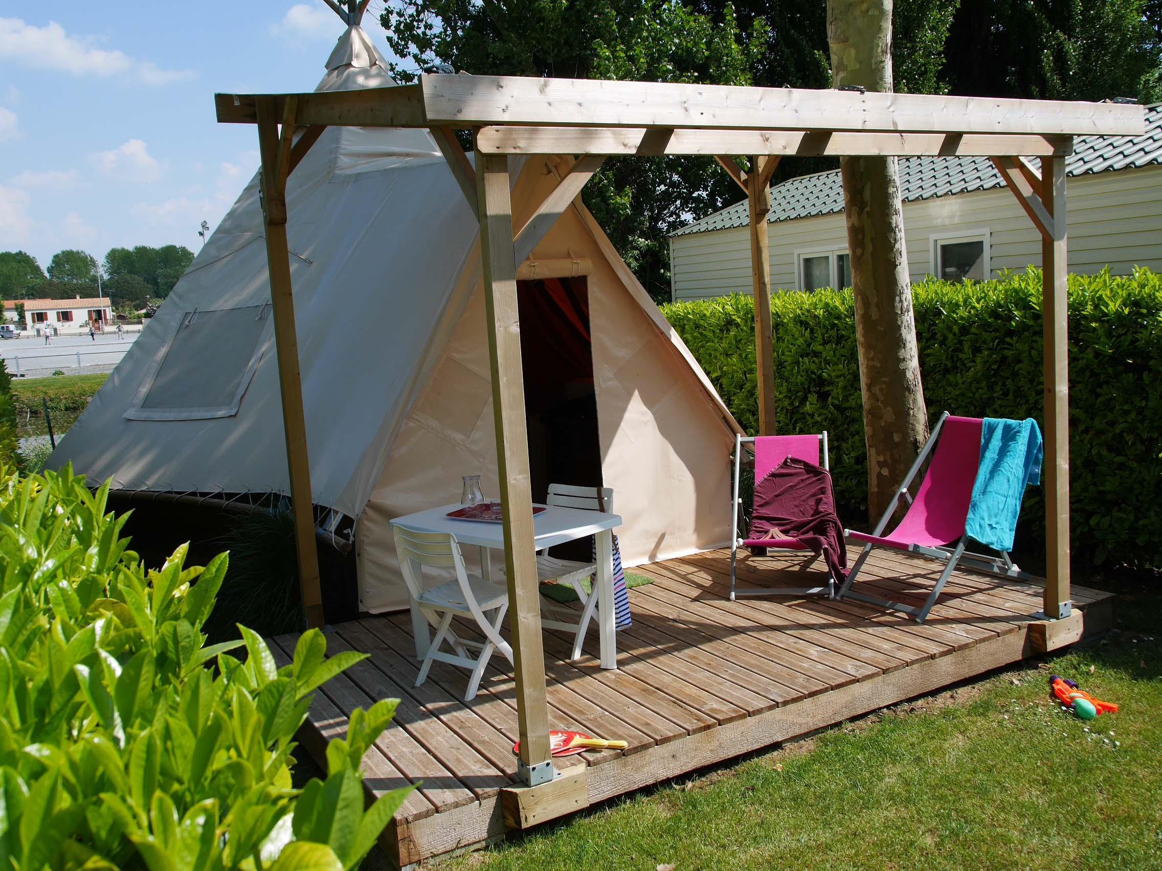 Location - Tipi Maya 24 M² - Sans Sanitaire - Camping de la Gères