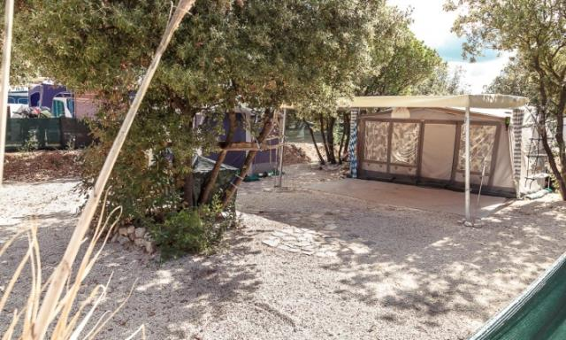 Emplacement - Emplacement Confort Plus - Camping Mon Perin