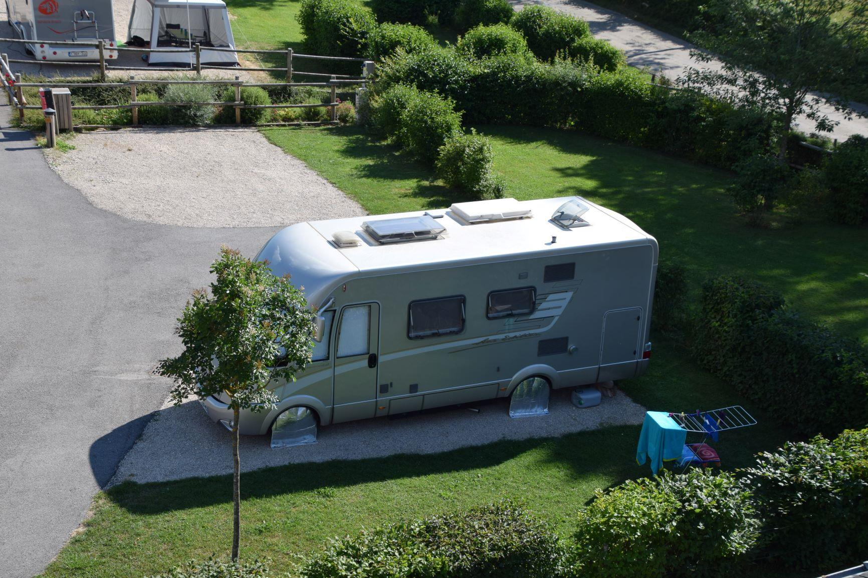 Pitch - Pitch: Camping-Car - Camping Les 12 Cols