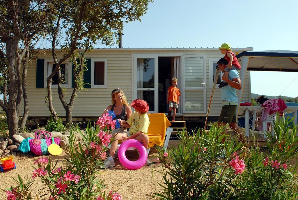 Camping Acqua E Sole, Sainte-Lucie-de-Porto-Vecchio, Corse