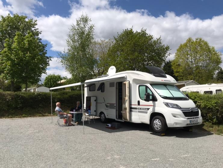 Emplacement - Emplacement Stabilise > 100 M2 Camping Car Avec Edf - Camping Ty Nénez
