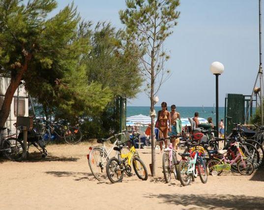Emplacement - Emplacement : Voiture + Tente/Caravane Ou Camping-Car + Électricité - Centro Vacanze Oriente