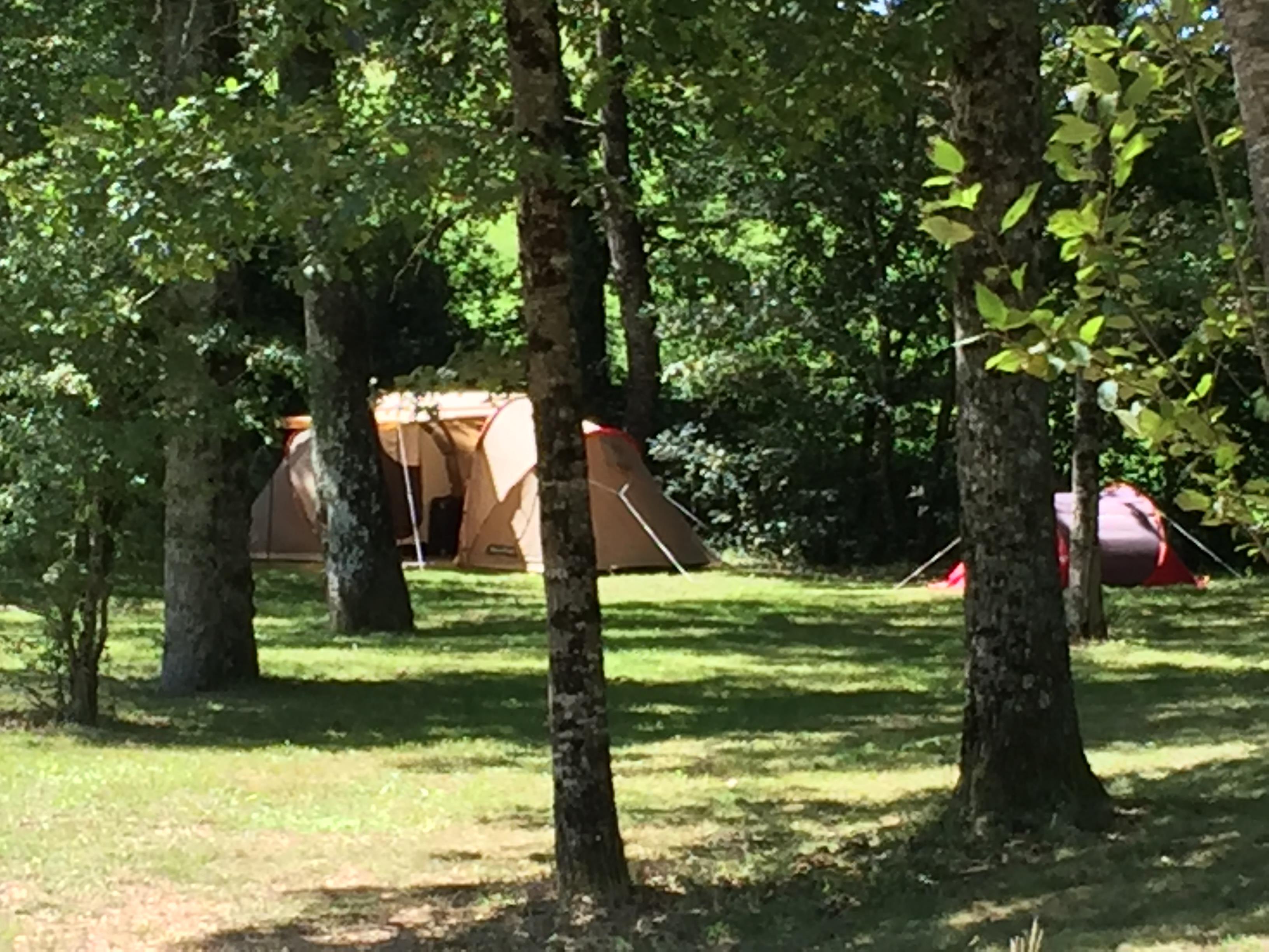 Camping le Garoustel, Saint-Gérons, Cantal