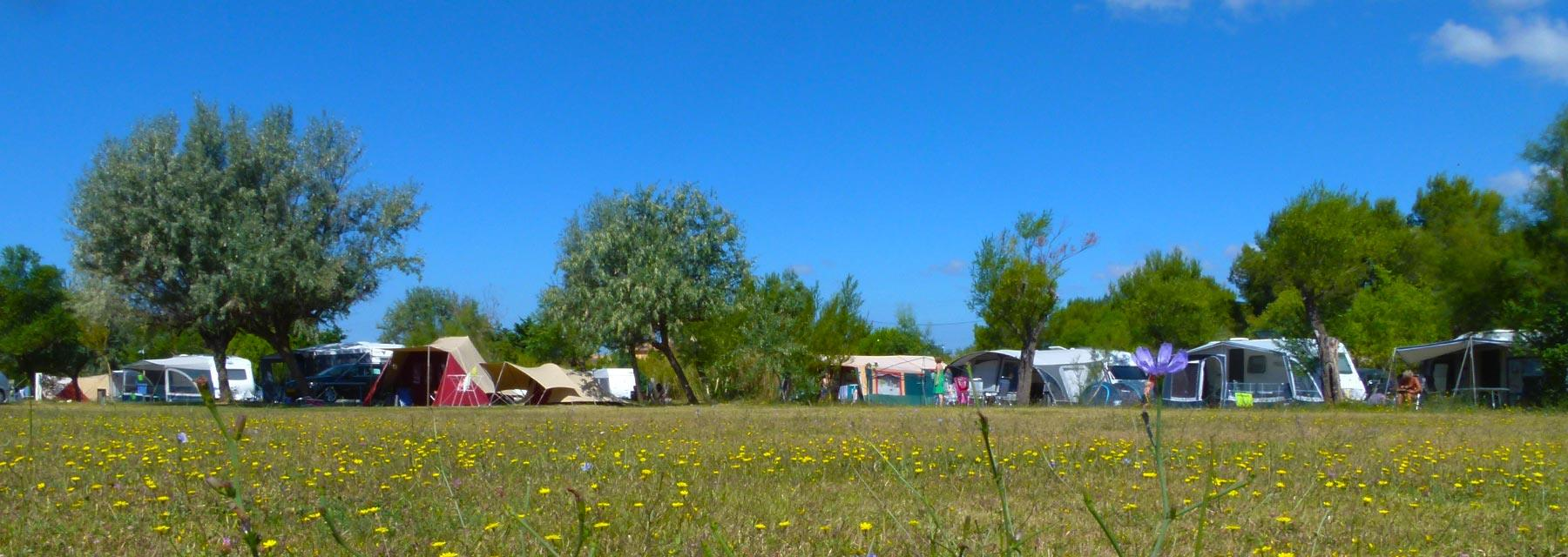 Camping Félix de la Bastide, Saint-Mitre-les-Remparts, Bouches-du-Rhône