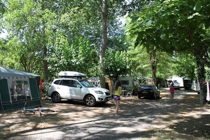 Forfait Confort : Emplacement + voiture + tente/caravane ou camping-car + électricité 10A