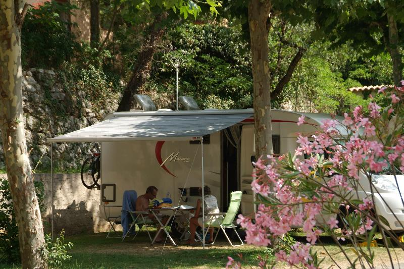 Camping les Pinèdes, La Colle-sur-Loup, Alpes-Maritimes