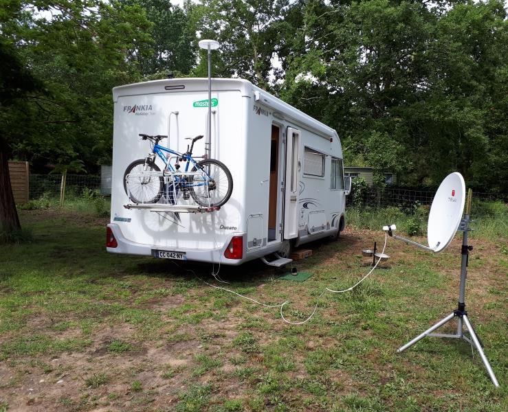 Emplacement Voiture + Caravane - tente - camping-car