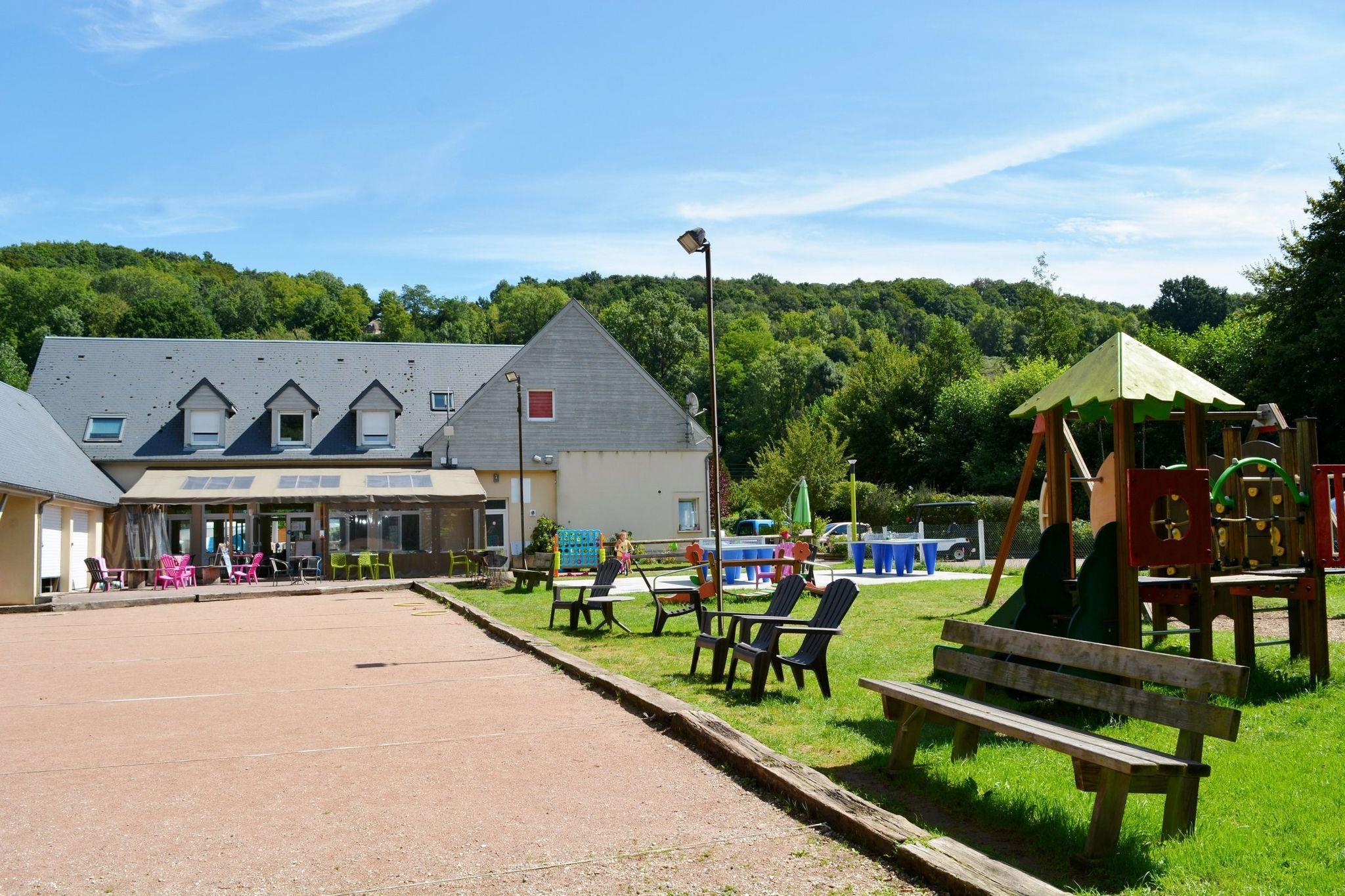 Camping Domaine de la Catinière, Fiquefleur-Equainville, Eure