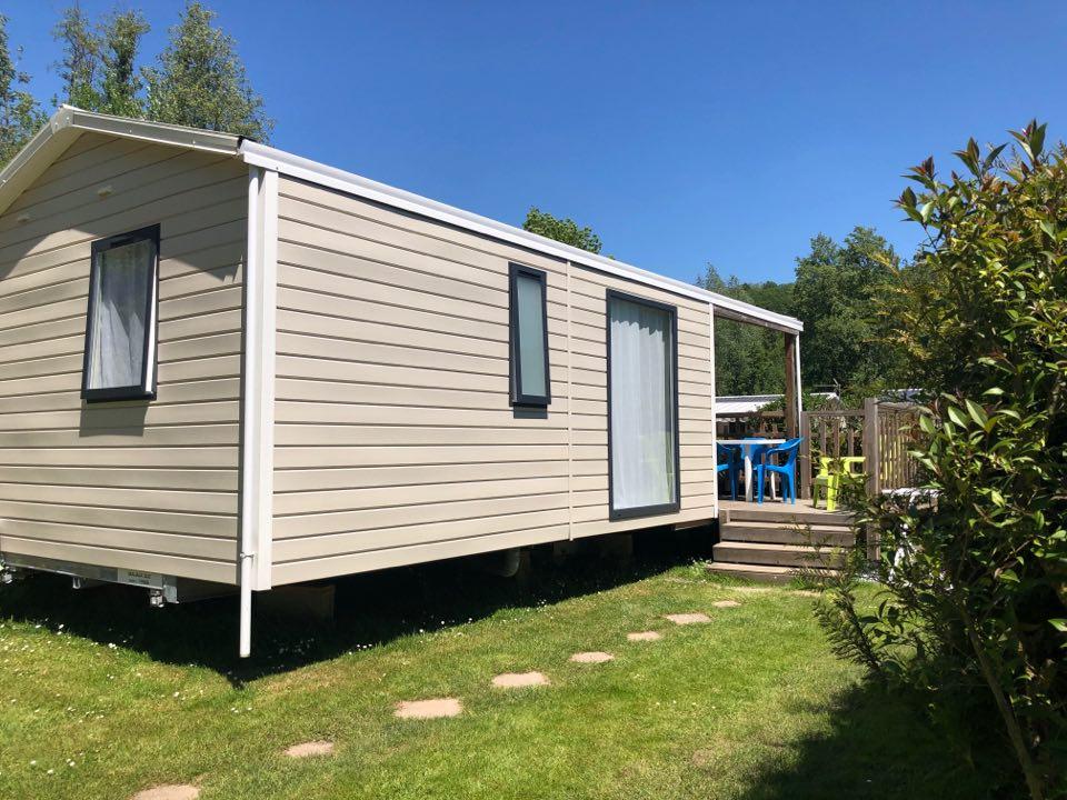 Mobil-Home 2 Chambres avec terrasse semi couverte TV