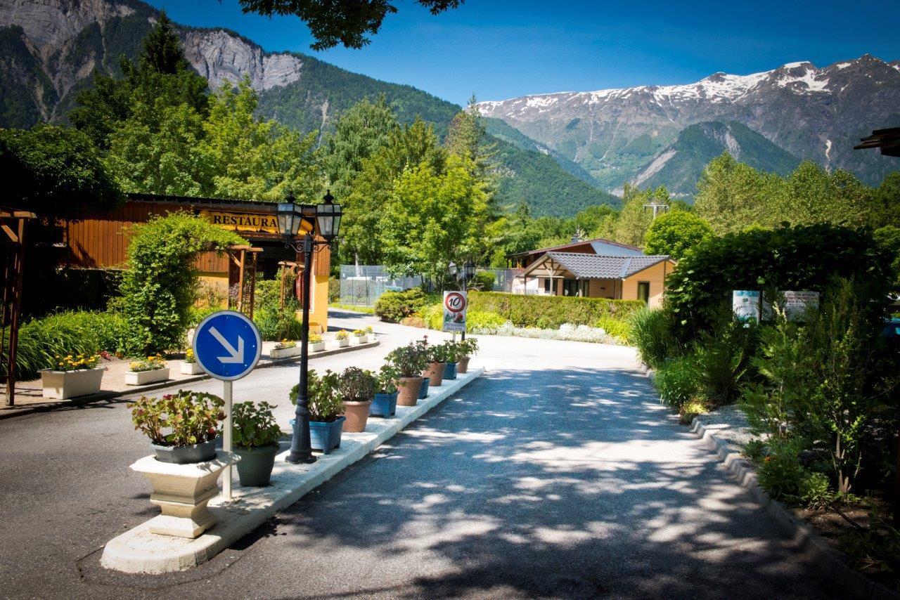 Camping à la Rencontre du Soleil, Le Bourg-d'Oisans, Isère