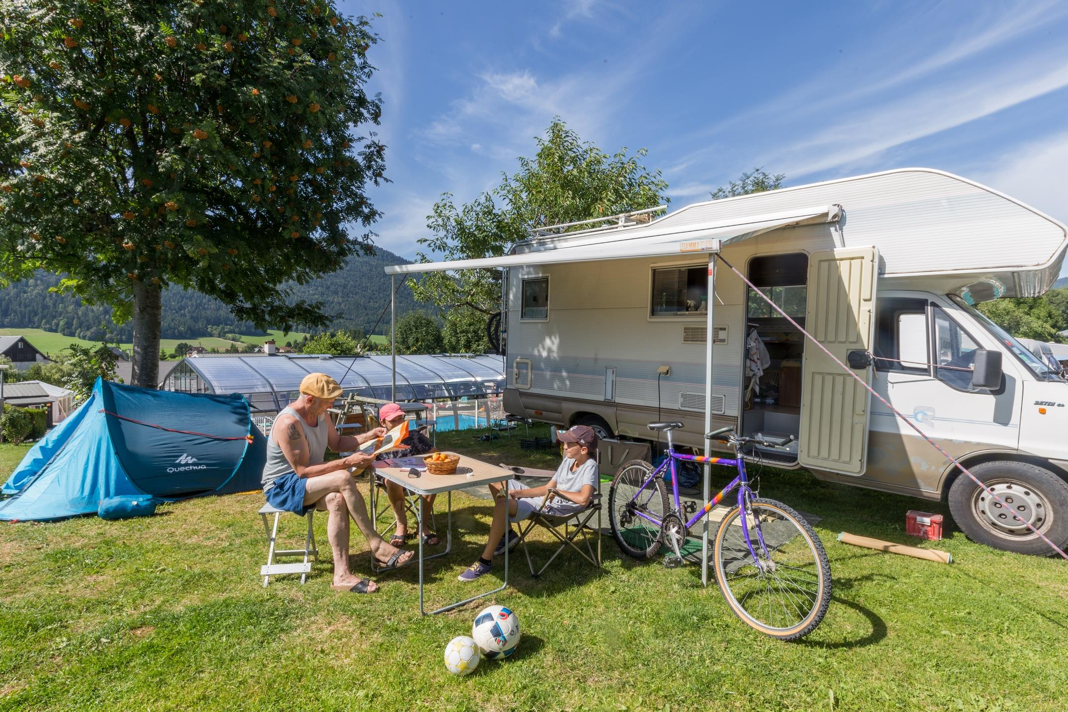 Pitch - Pitch : 1 Tent, Caravan Or Motorhome / 1 Car - Camping Le Vercors