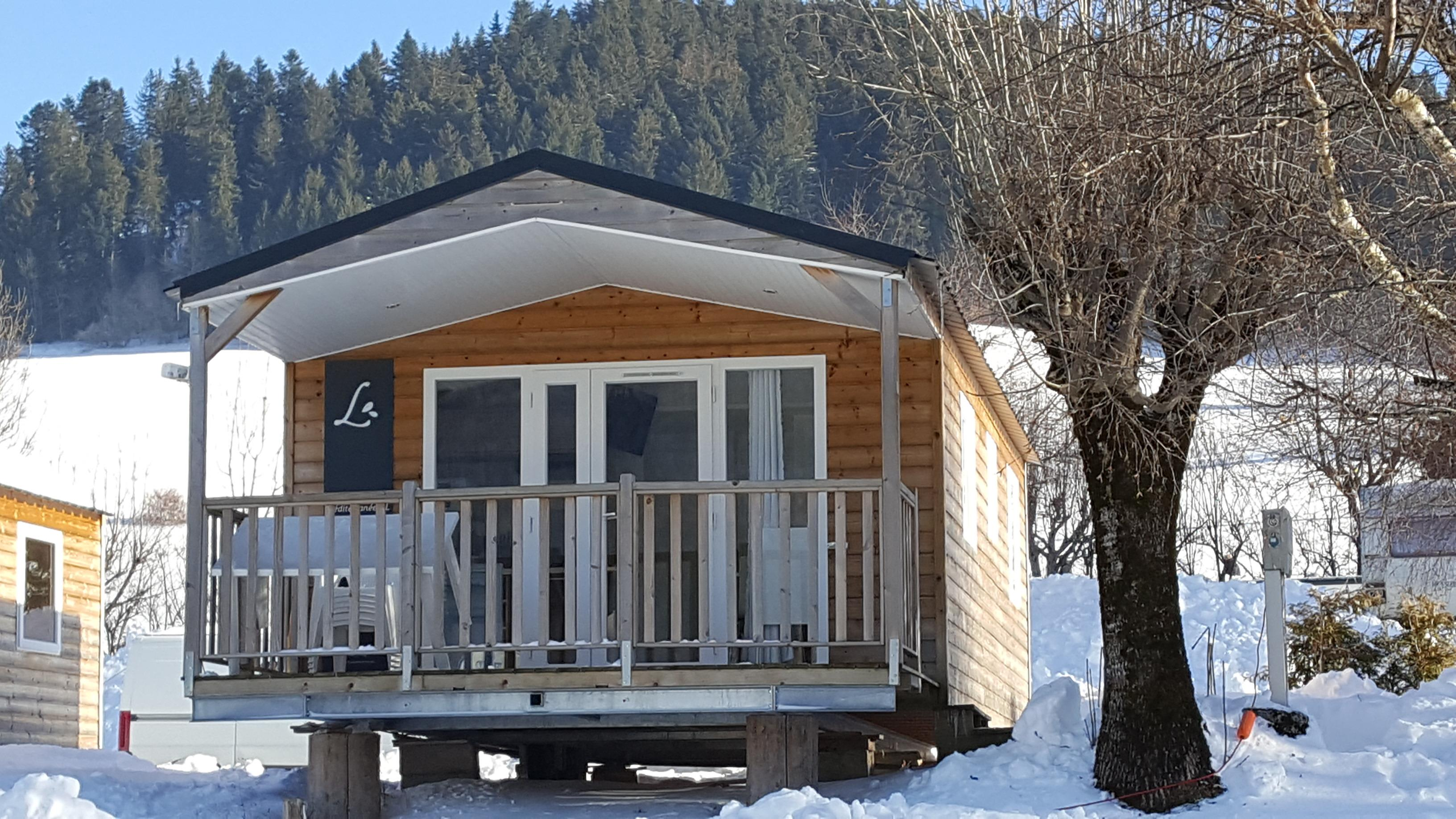 Location - Mobil-Home Confort+ Pensee - 2 Chambres - 26M² + Terrasse Couverte 8M² - Camping Le Vercors