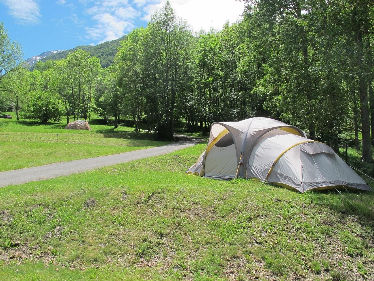 Emplacement - Forfait Confort (1 Tente, Caravane Ou Camping-Car / 1 Voiture / Électricité 10A) - Wellness Sport Camping UCPA VVF Pène Blanche