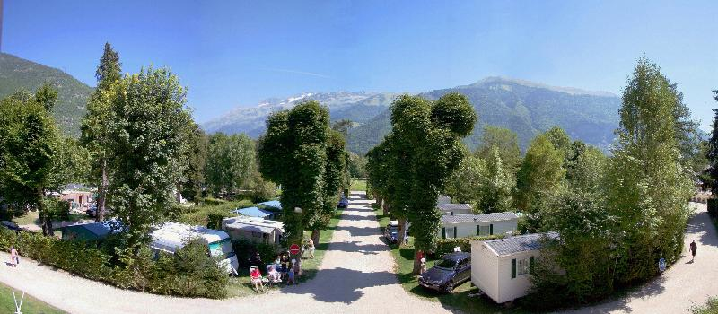Camping le Chateau de Rochetaillée, Le Bourg-d'Oisans, Isère