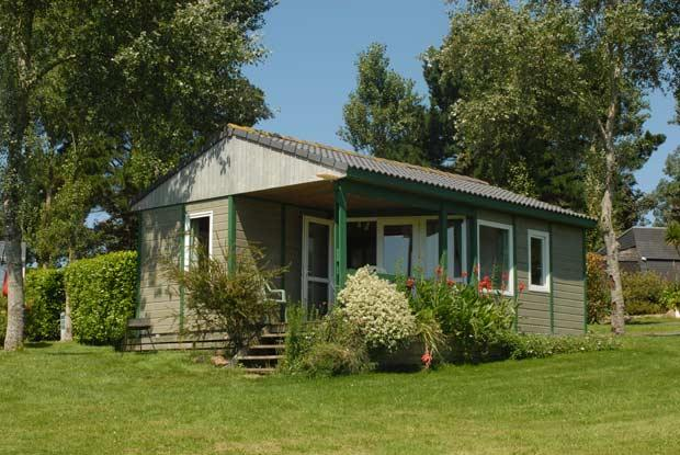 Location - Chalet Confort 35M² (2 Chambres) + Terrasse - Camping Les Capucines
