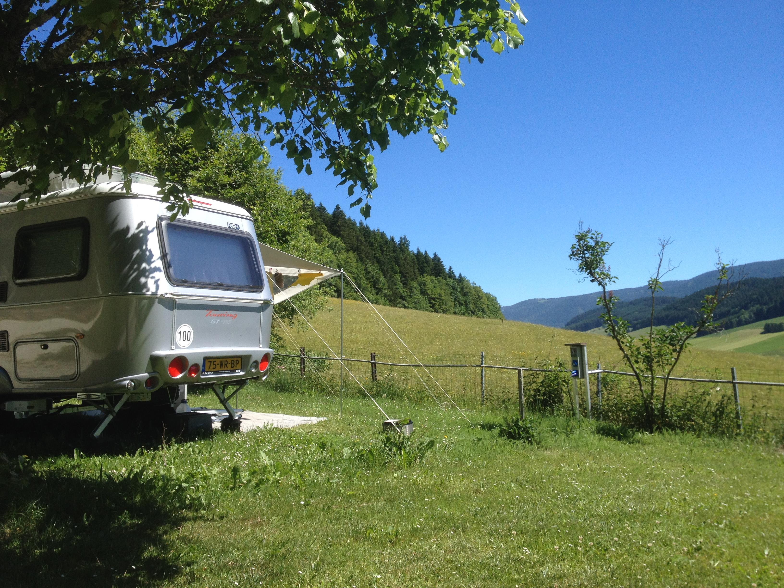 Pitch - Pitch + Vehicle - Camping Les Eymes
