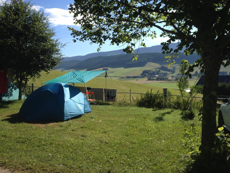 Emplacement - Emplacement De Camping - Forfait 1 Personne Pour Tente Caravane Ou Camping-Car - Camping Les Eymes