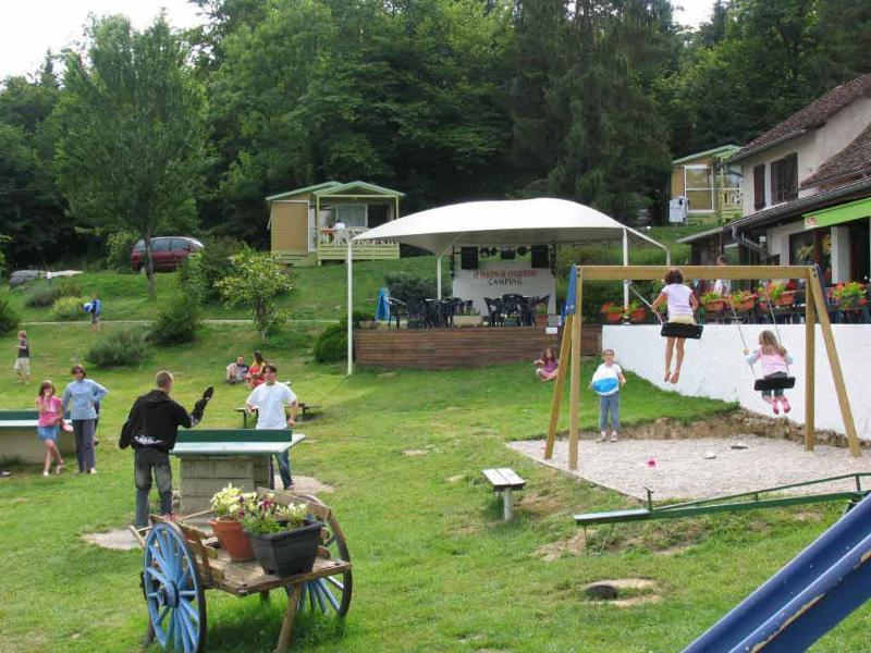 Camping le Balcon de Chartreuse, Miribel-les-Échelles, Isère