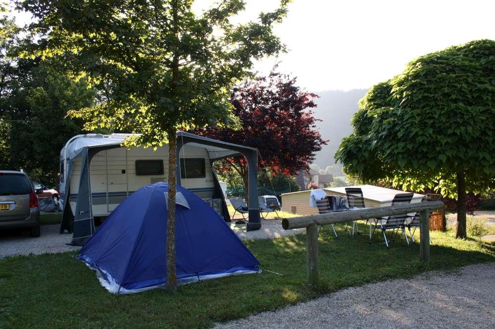 Establishment Camping Municipal Les Portes Du Trièves - Monestier De Clermont