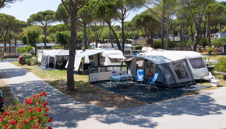 Emplacement - Forfait 2P Relax ** Caravane Ou Tente + Voiture + Électricité 10A - Yelloh! Village la Bastiane
