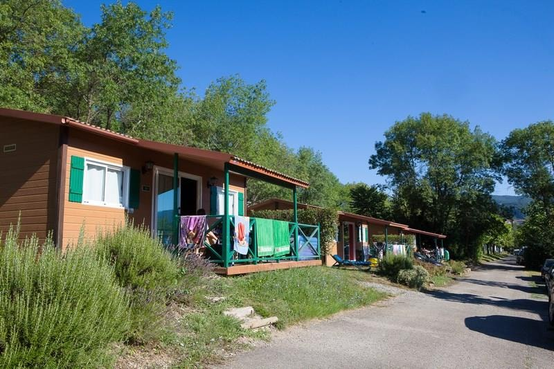 Chalet Confort ROUGE 35m² 2ch. – 4+1pers. (3/9)