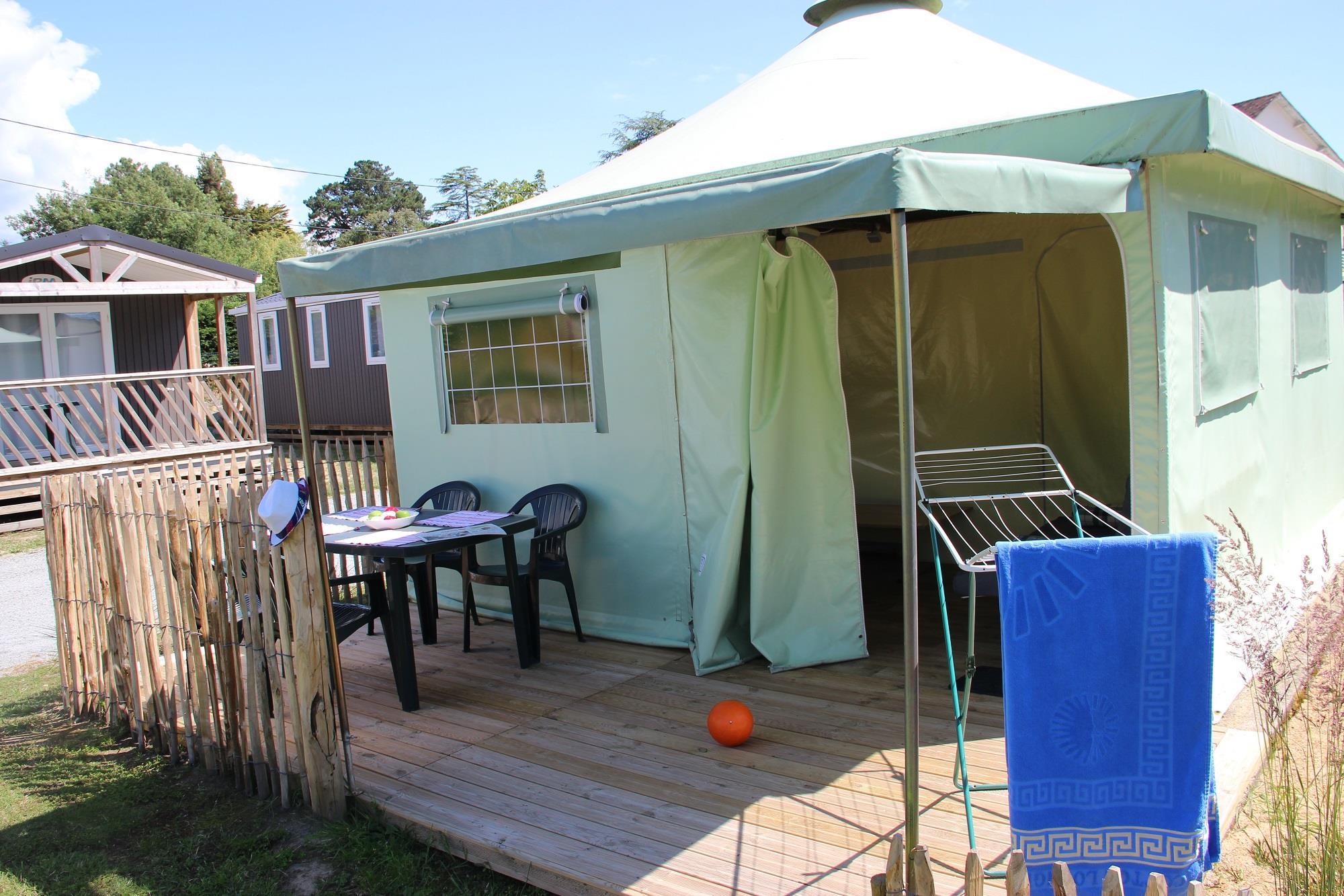 Location - Tente Éole Eco 20M² (2 Chambres) Sans Sanitaires - Camping Domaine de Pont Mahé