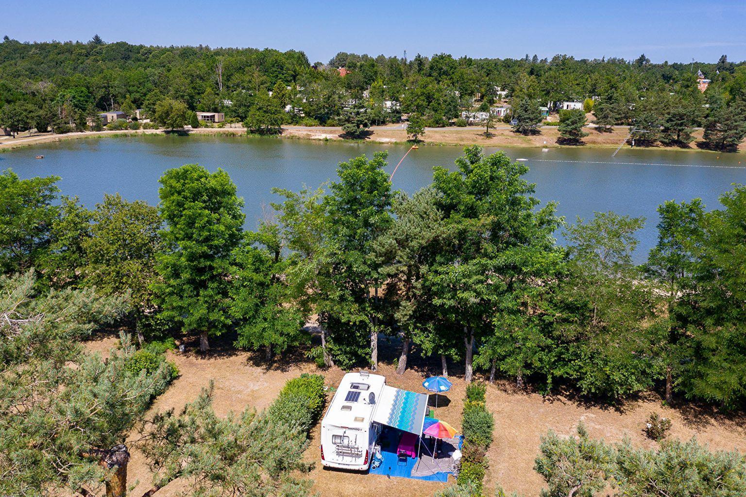 Emplacement - Forfait Bord De Lac **** - Camping Sandaya Les Alicourts Resort
