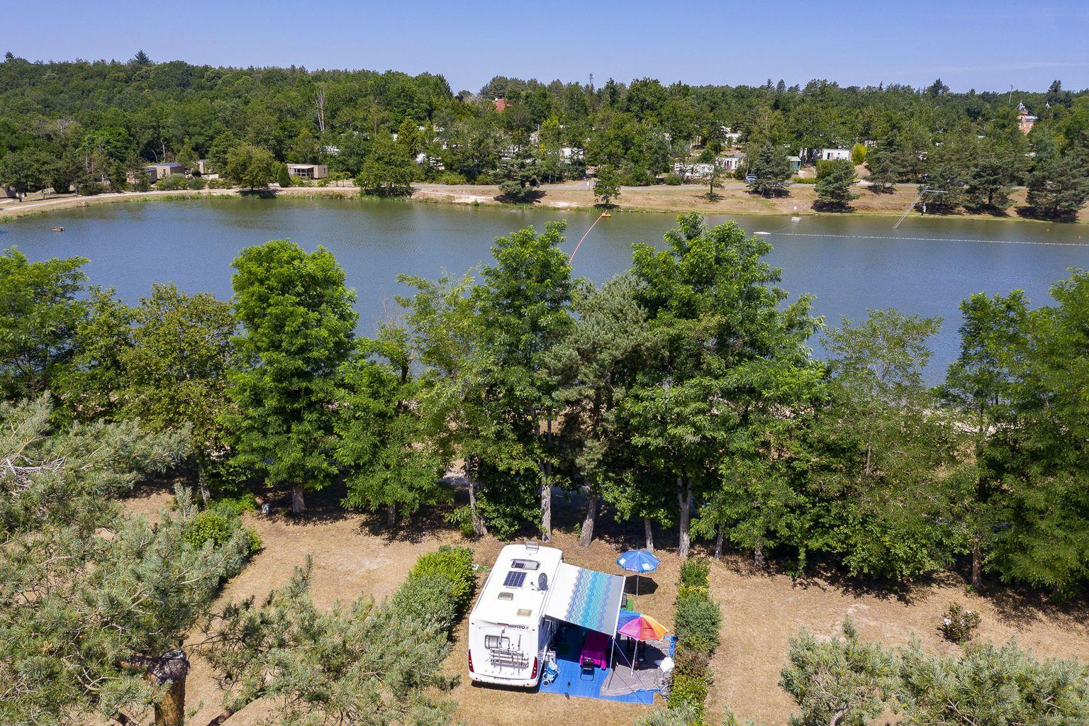 Emplacement - Forfait Bord De Lac **** - Camping Sandaya Les Alicourts