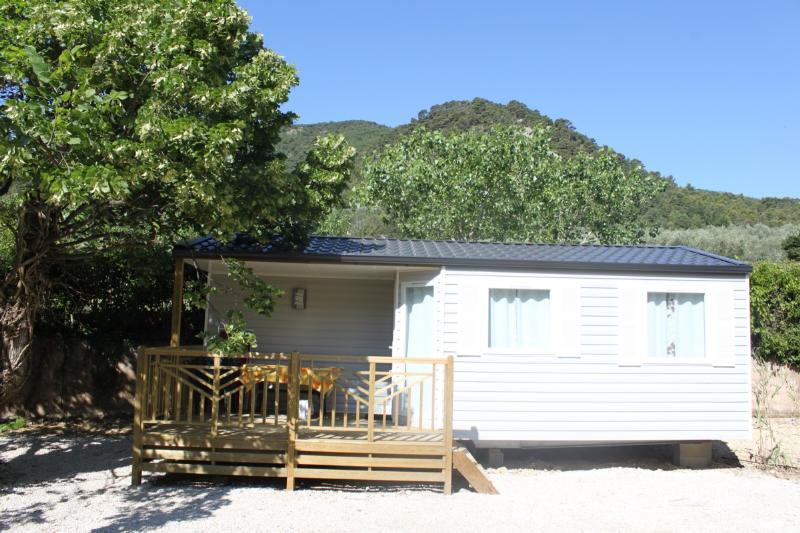 Camping de L'Écluse, Parcieux, Ain