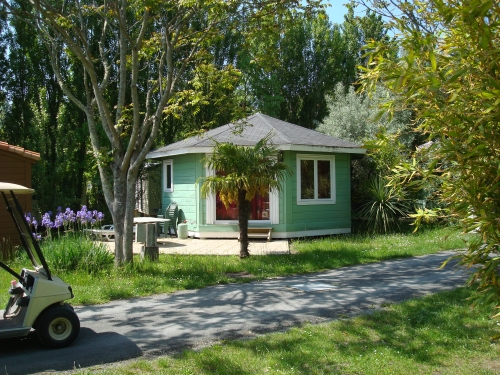 Location - Chalet Ecrin Attractif Pour 5 Pers Comprises Sdb Wc - Camping Airotel Oléron