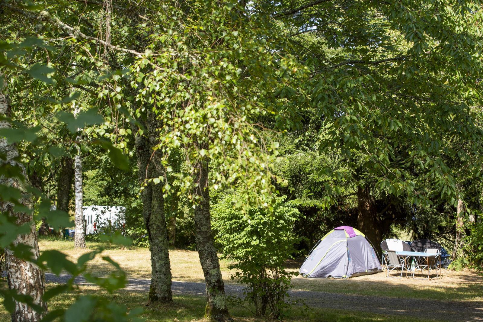 Emplacement - Forfait Halte Cyclo/Rando : Sans Véhicule Et Sans Électricité - Camping de Fréaudour